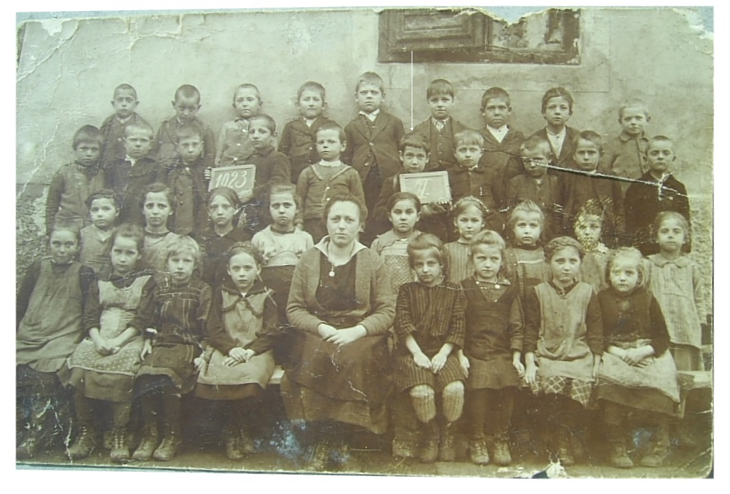 http://shramba.lovrenc.net/maxi/klepet/pic9179-leta-1922-231raz.jpg