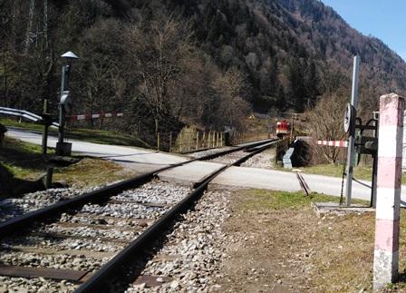 http://shramba.lovrenc.net/maxi/klepet/vlak-dim1.jpg