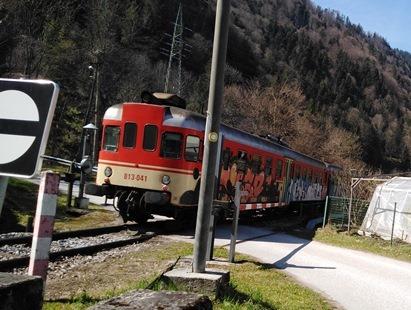 http://shramba.lovrenc.net/maxi/klepet/vlak-odhod1.jpg