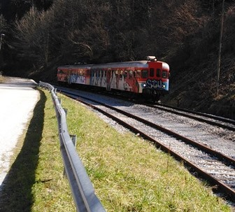 http://shramba.lovrenc.net/maxi/klepet/vlak1.jpg